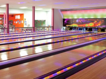 Strike Bowl Bowling Alley