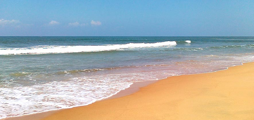 Candolim Beach - Best Beach in North Goa