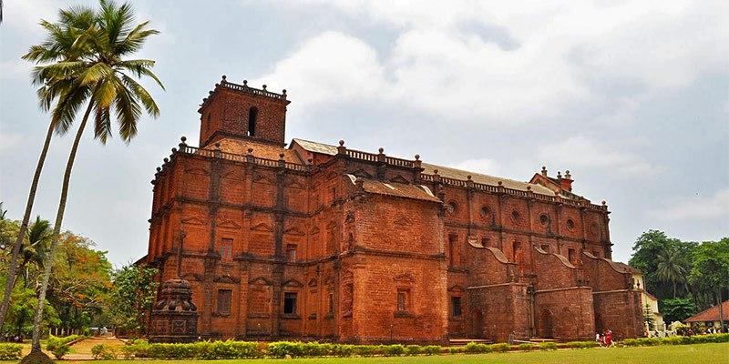 Basilica of Bom Jesus - Famous churches in Goa