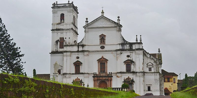 Se Cathedral - Famous Churches in Goa