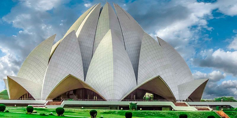 Lotus Temple - Famous Monuments of India