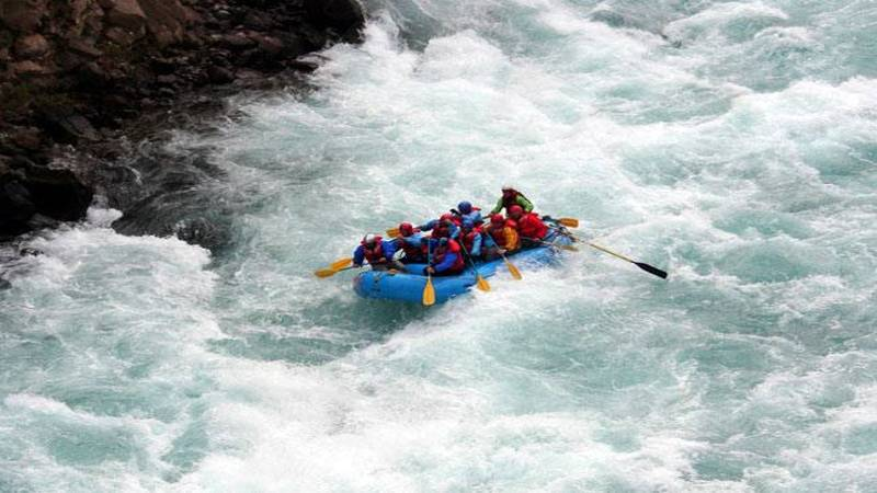 white water rafting himachal