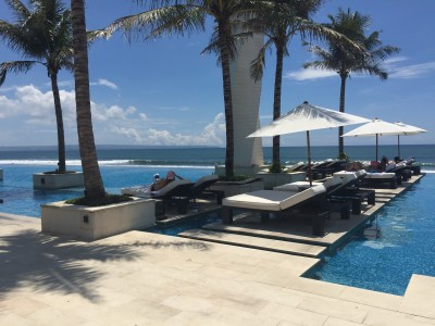 Travel blog image for Jan. 3, 2016 in LV8, Vue Beach Club, Canggu, Bali