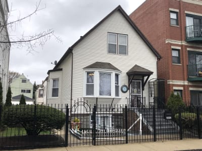 4 Unit Investment Property on Large Lot in Logan Square