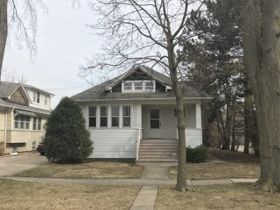 THIS SINGLE FAMILY HOME IS LISTED IN CONJUNCTION WITH 111 PRAIRIE