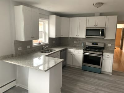 Totally Remodeled 3 bedroom 1 Bath Apartment
