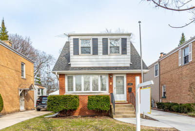 BEAUTIFUL 3 BEDROOM CAPE COD ON TREE LINED STREET IN SOUGHT AFTER PARK RIDGE
