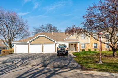 Adorable Second Floor TOTALLY Updated Unit in Lexington Green Subdivision