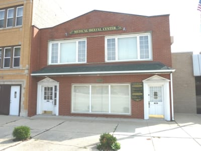 Well Maintained Mixed Use Building!