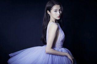 关晓彤薰衣草紫纱裙又仙又美