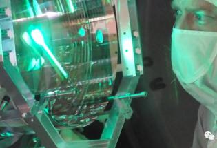 科学家首次发现宏观物体量子波动