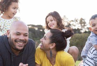 覆盖40000人的研究指向了家庭幸福的关键要素之一