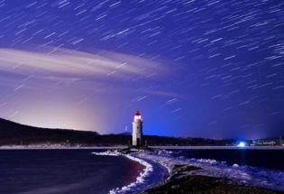 天文奇观: 流星雨、日全食、木星土星大合的璀璨夜空