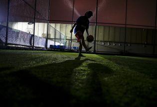 """中国大学女足球队因头发""""不够乌黑""""被判负"""