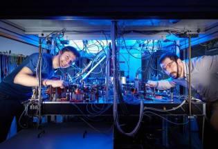 复杂量子世界的速度极限
