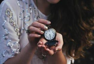 时间真的在流逝?一种古老数学方法正破解时间谜团