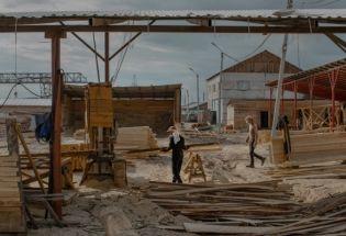 当中国人把木材厂开进西伯利亚广袤的森林