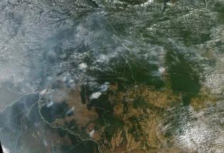 焚烧的亚马逊雨林正在将巨量有毒气体释入地球大气层
