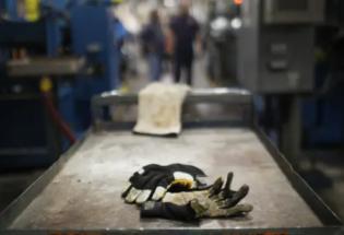 《美国工厂》:美国解读VS中国解读