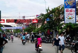 疯狂的柬埔寨,亢奋的中国人