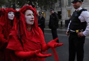 """英国""""反抗灭绝""""运动与全球公民不服从"""