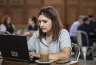 在咖啡馆里工作能促进创造力吗?