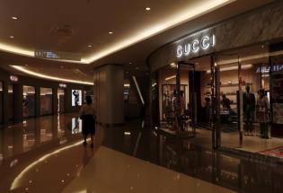 """奢侈品牌傍上中国富人""""大腿"""" 和经济放缓冲击说再见"""