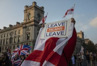 英国12月大选:党派混战与变相的脱欧公投