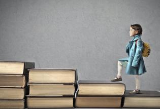 学生不易,家长焦虑:我们能够想象更好的教育吗? | 2020年教育新闻盘点