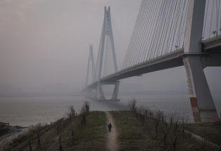 改变世界的25天:新冠疫情是如何在中国失控的?