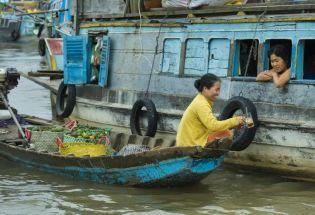 摸着中国过河,越南改革开放简史