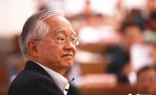 """吴敬琏:我真不明白,国家养那些只会""""整词儿""""的专家有什么用?"""