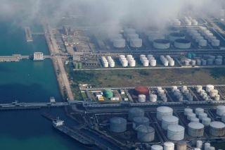 """中国""""隐士""""投资者押注油价反弹 本地储油空间即将满载"""