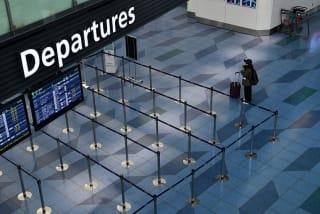 """疫病蔓延时的旅行:成田机场的""""白日梦"""""""