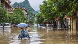 """为什么我们能碰上这么多""""百年一遇""""的洪水?"""