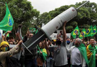 巴西暂停中国疫苗试验,是科学还是政治考量?