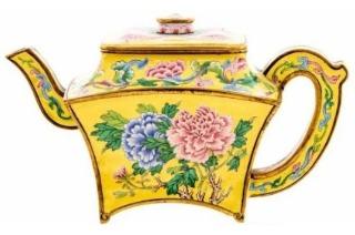 """中国古董频售天价的原因:从英国人车库惊现""""乾隆酒壶"""" 讲起"""
