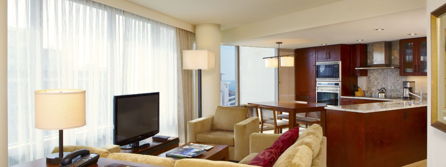 Hotel Suite with Living Room & Kitchen