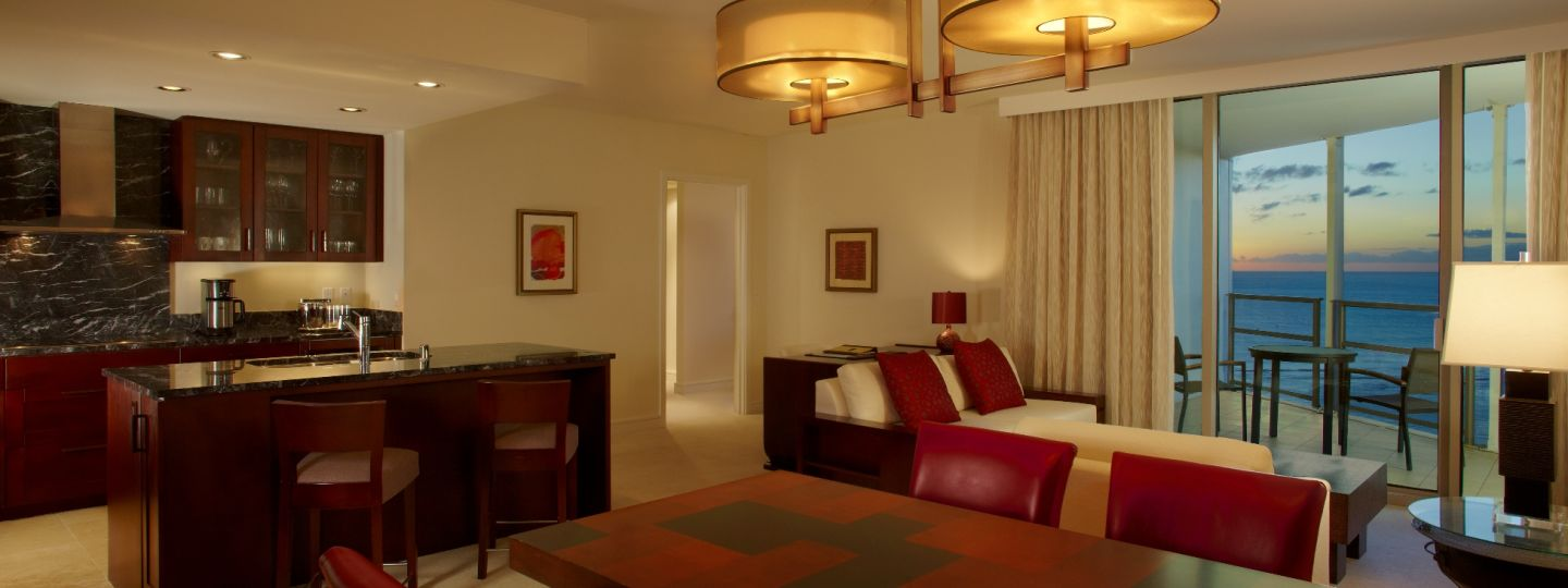 2 Bedroom Suites In Waikiki | Trump Hotel Waikiki   Ocean View Two Bedroom  And Den Suite