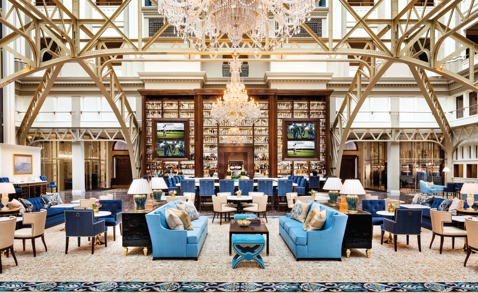 Benjamin Bar and Lounge Sitting Area