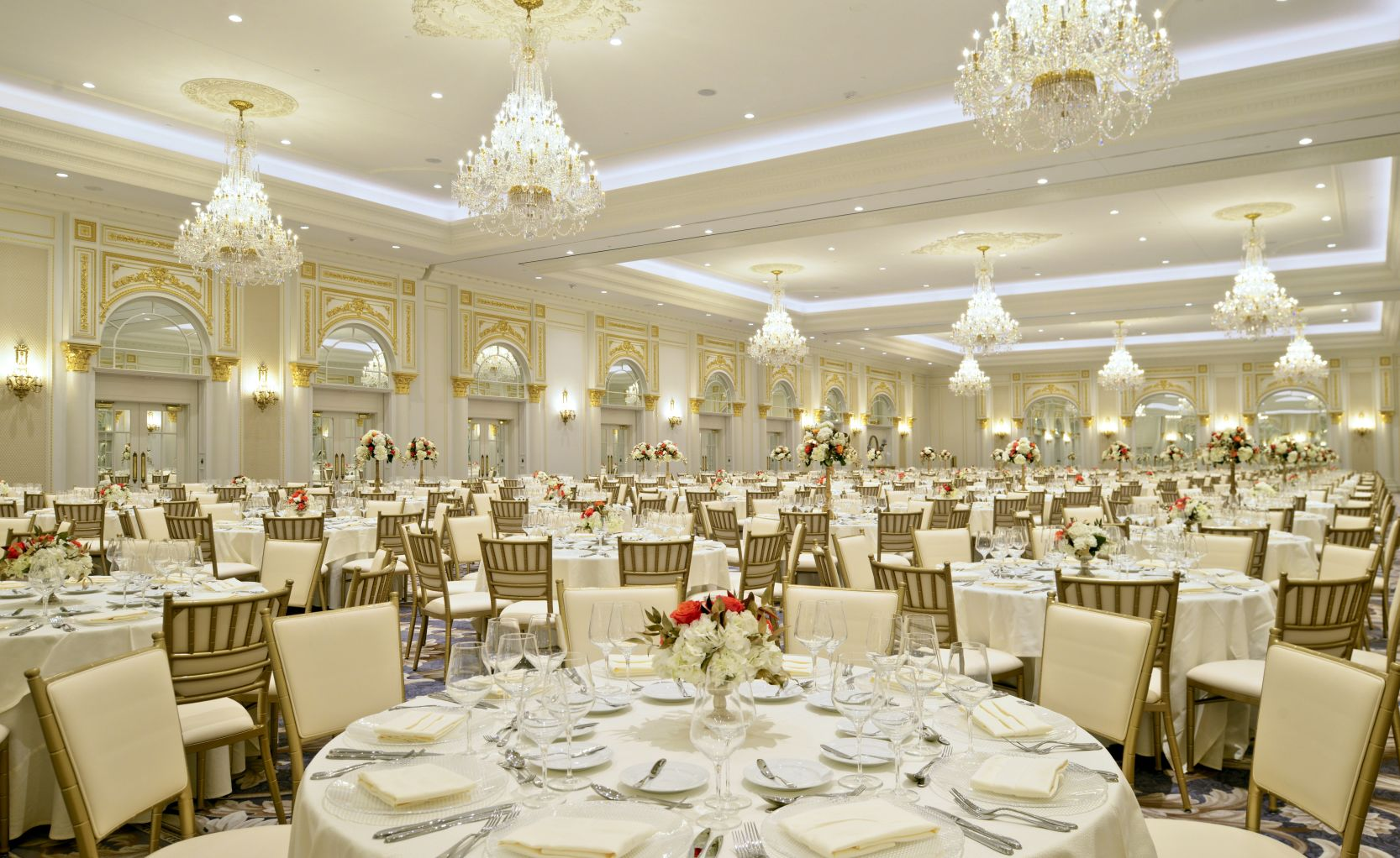 Gold Chiavari Chairs and Table Settings