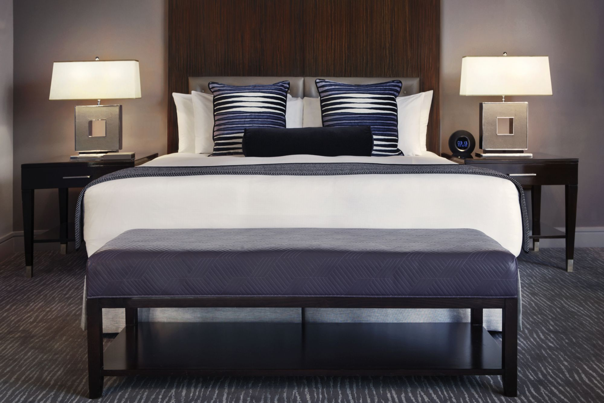 Suites in chicago trump chicago grand deluxe suites 2 bedroom suites in chicago for Two bedroom suites in chicago