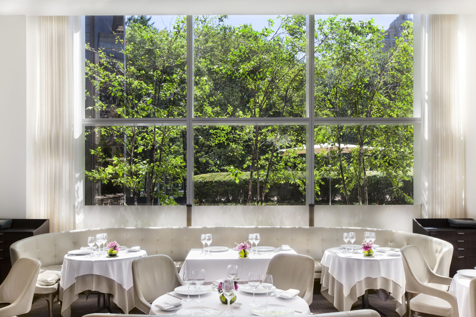 Jean-Georges Sitting Area With Large Window