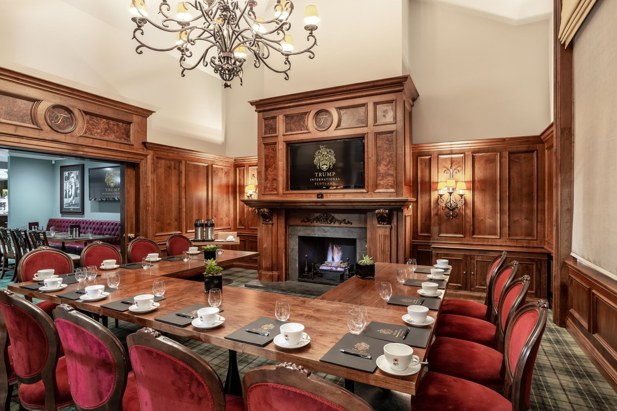 MacLeod House and Lodge private dining room