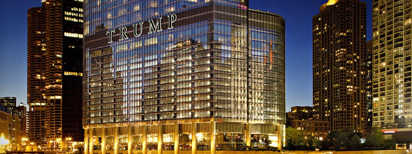 Trump Chicago Exterior River View