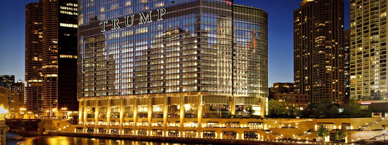Trump Chicago overlooking river