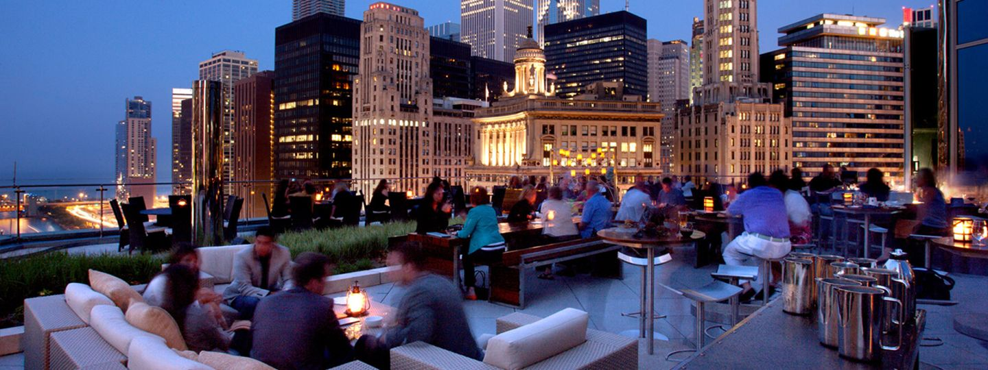 Trump Chicago outdoor dining