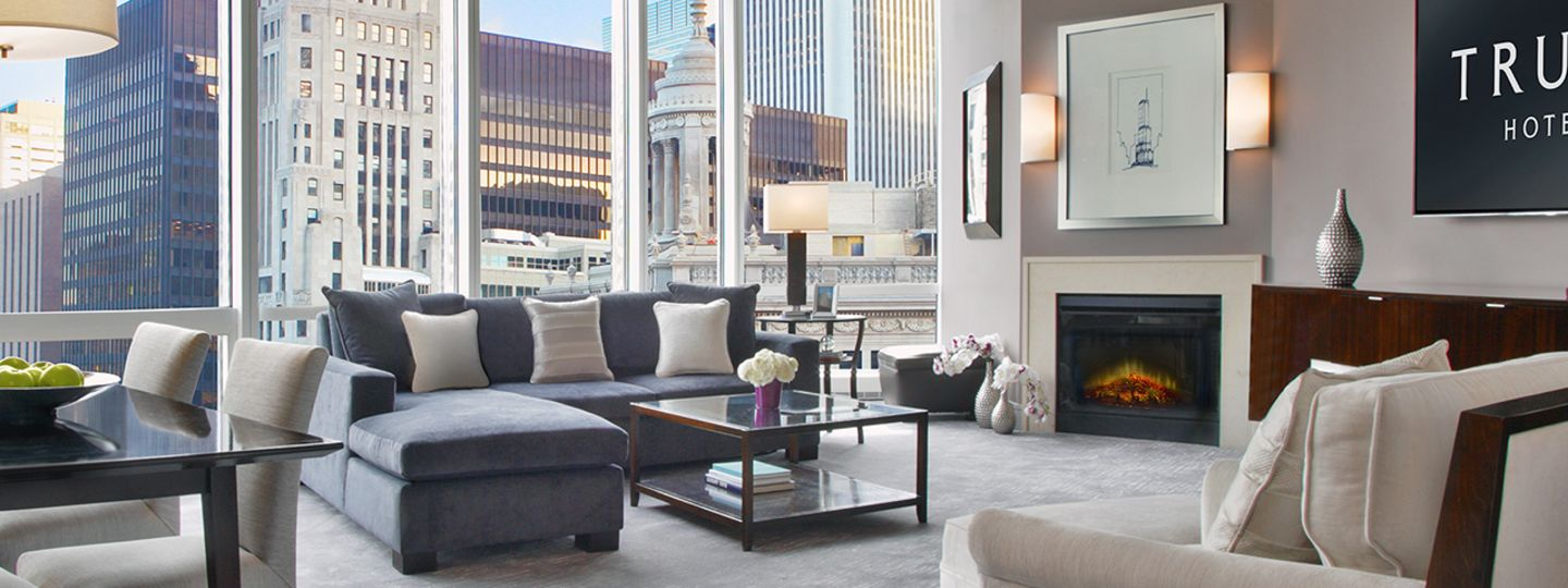 Chicago Suite Overlooking the City