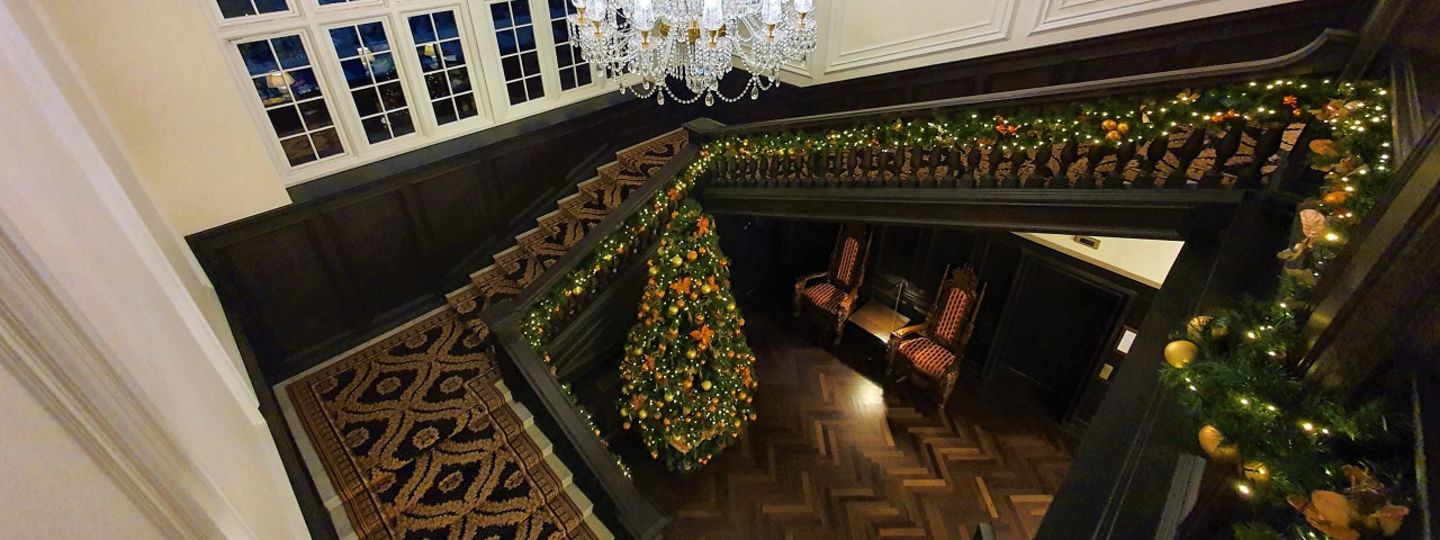 Trump Turnberry stairwell decorated for holidays