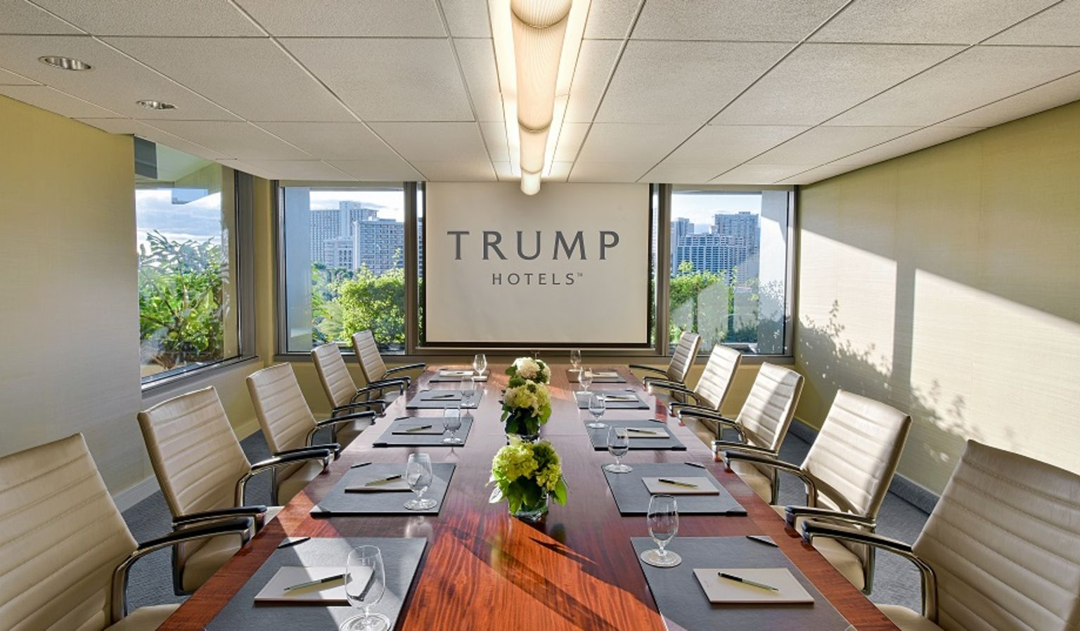 Boardroom at Trump Waikiki